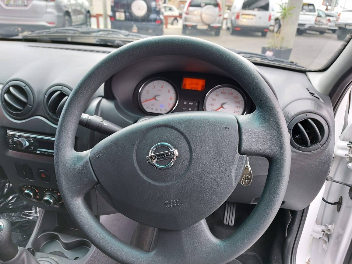 2019 Nissan NP200 Base Model 1.6 full